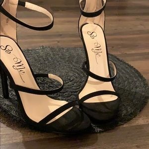 So Me black strappy heels